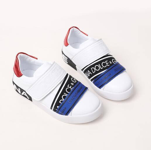 2020 nuevos zapatos de los niños de la moda de tamaño letras zapatos de los niños 26-35 envío libre 030431