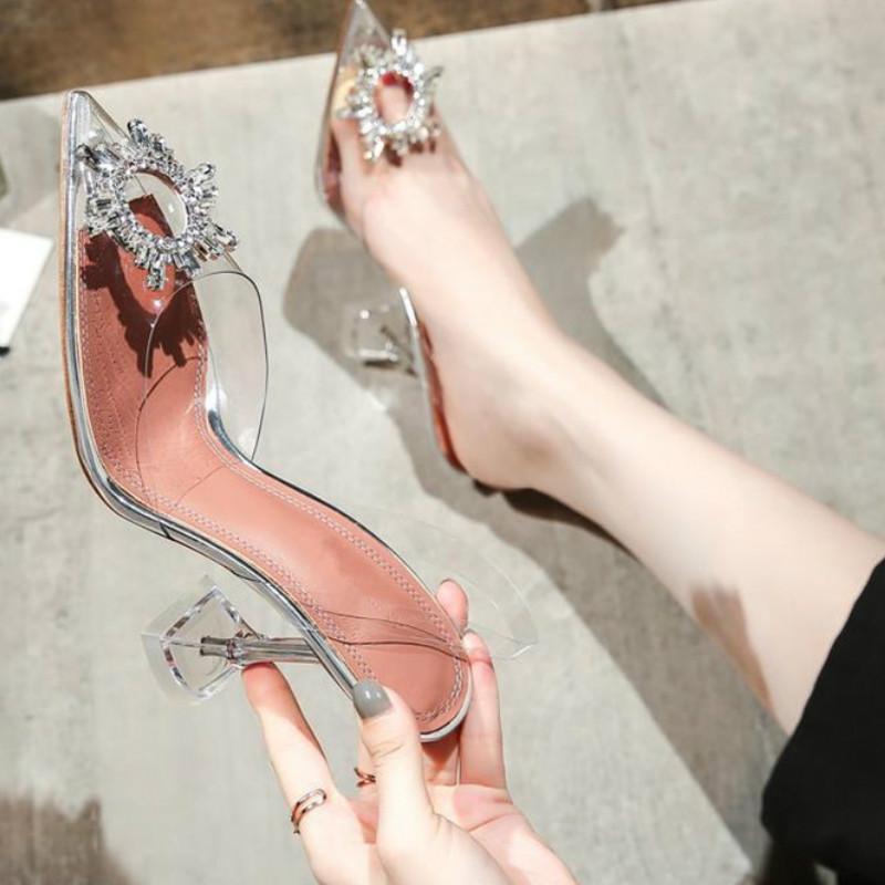 2019 nueva moda versátil sandalias elegantes tacones puntiagudos zapatos de boda de diamantes de imitación de cristal talón de rocío y el banquete de boda esenciales