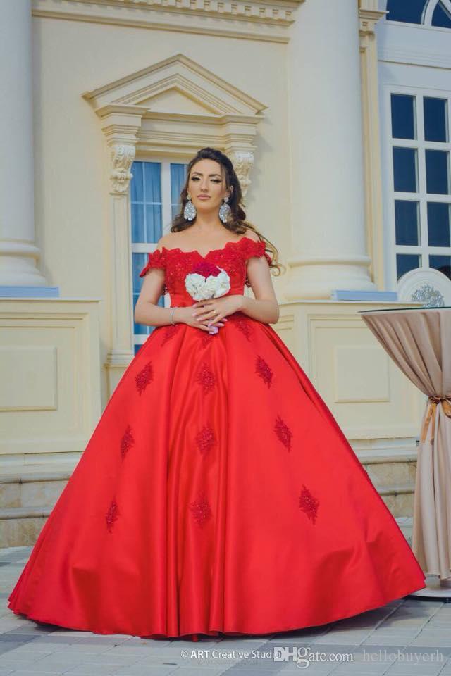 2019 새로운 빨간색 새틴 공 가운 어깨 플러스 사이즈 공주 국가 웨딩 드레스 저렴한 나이지리아 Braidl 가운