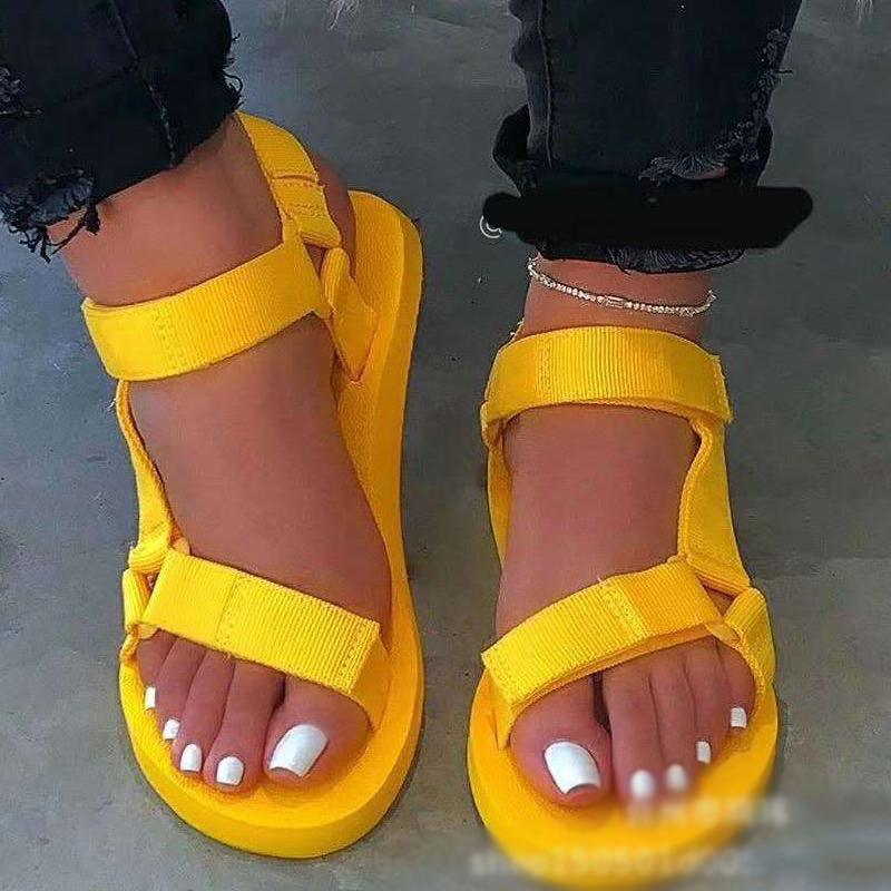 Sandalias de las mujeres 2020 zapatos de plataforma de la playa al aire libre Zapatillas de verano playa de las sandalias manera de las señoras cuñas de espuma durable del Sole