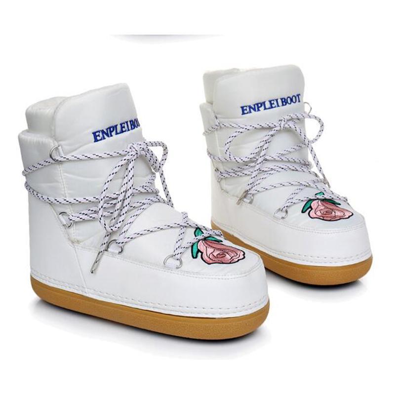 Vendita calda-Stivali donna scarpe invernali tomaia resistente all'acqua calda femminile plus size moda suola antiscivolo scarpone da neve con ricamo spedizione gratuita c2