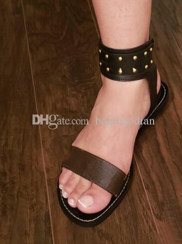Neuesten Luxus-Frauen Beliebte Leder Sandale Striking Gladiator-Art-Leder-Sohle Perfekte flache Segeltuch Plain Sandelholz-Größe 35-41