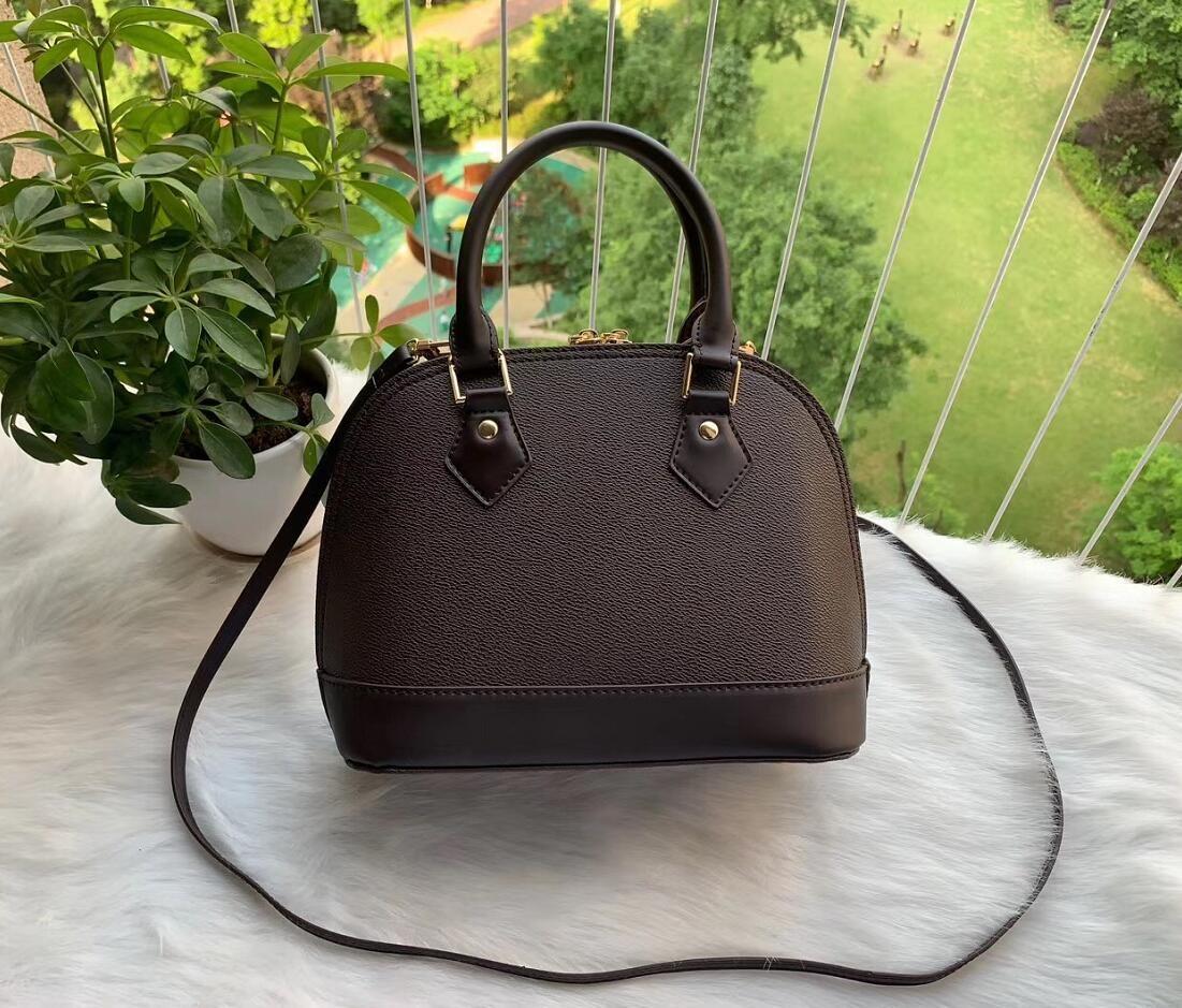 FFree доставка новый Женские сумки европейских и американских мешок модельера оболочки PU кожа золотой цепи / большое количество скидок
