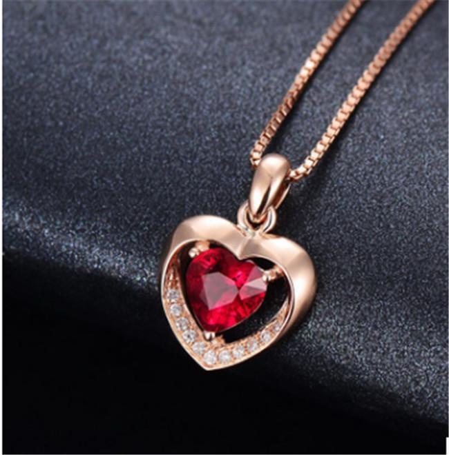 جديد مزاجه بسيط أزياء القلب على شكل قلب محاكاة الأحمر التورمالين اللون الكنز قلادة الإناث الترقوة سلسلة مجوهرات