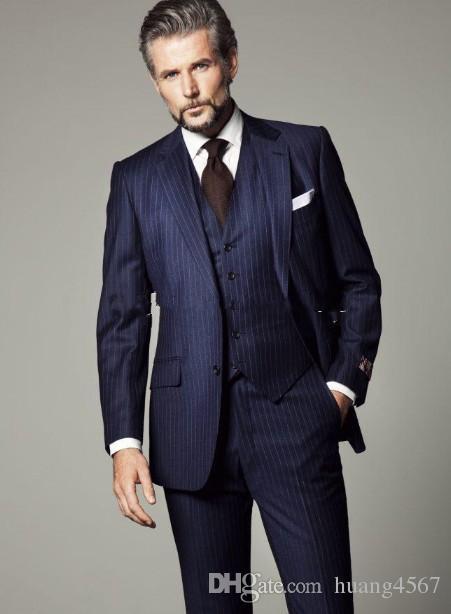 스트립 웨딩 신랑과 함께 새 유행의 두 버튼 네이비 블루 턱시도 피크 라펠 Groomsmen 남성 복장 판사 (자켓 + 바지 + 조끼 + 타이) 21