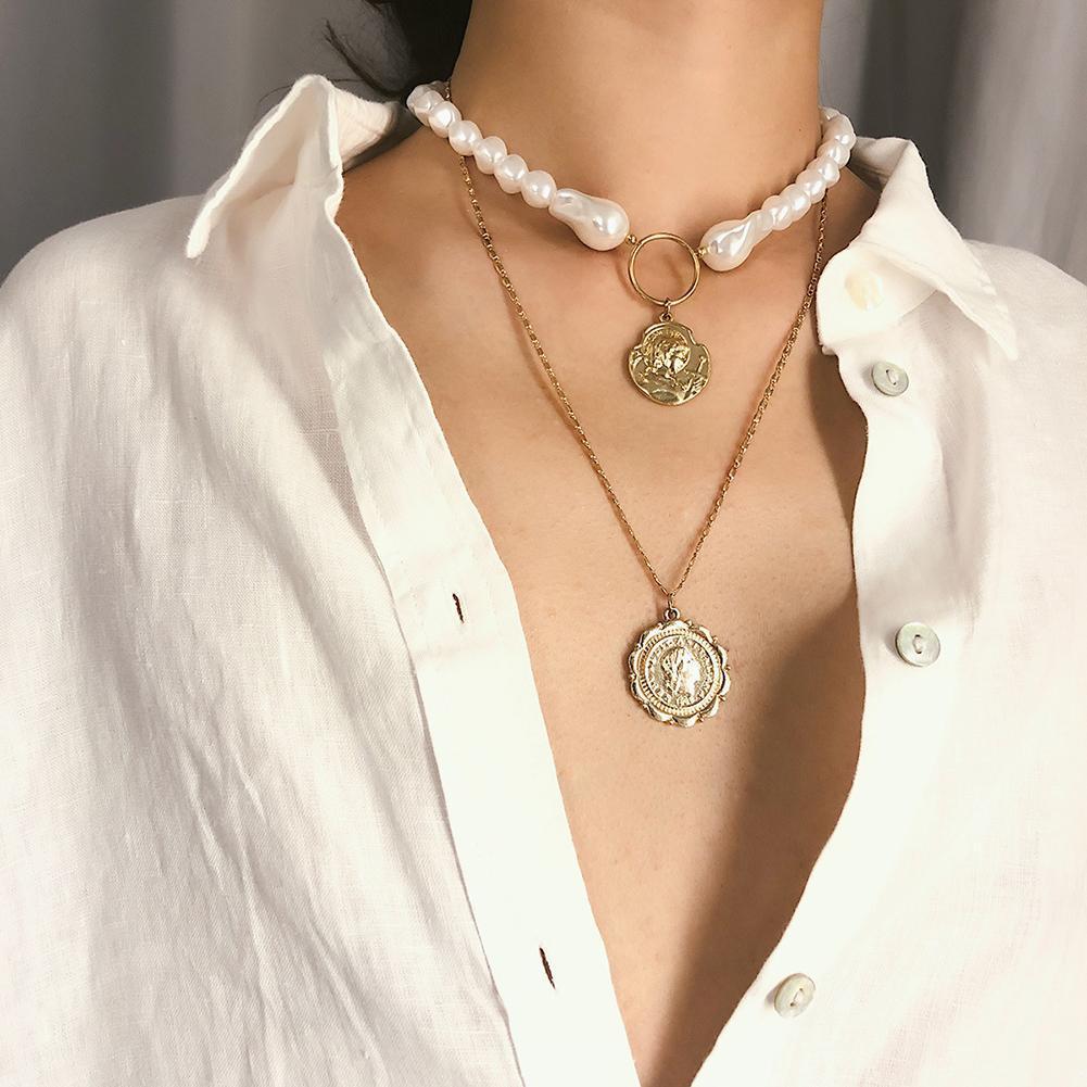 Vintage doble capa de perlas de imitación gargantilla en relieve moneda colgante mujeres collar nuevo