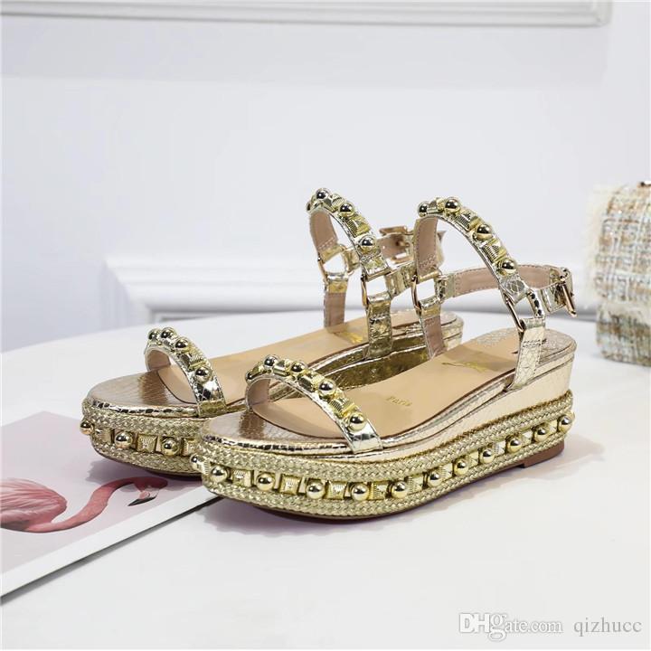 Famosa Ladies Red inferior Couro Wedge Cataclou Sandals patentes de ouro cravejado com tira no tornozelo Mulheres de senhoras Bombas Party Dress EU35-42, com caixa