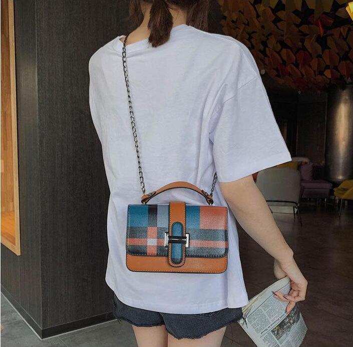 Fabrika çıkış marka kadın çanta moda kontrast onay kova çanta yeni kare kilit kadınlar omuz çantası şık onay deri kova çanta