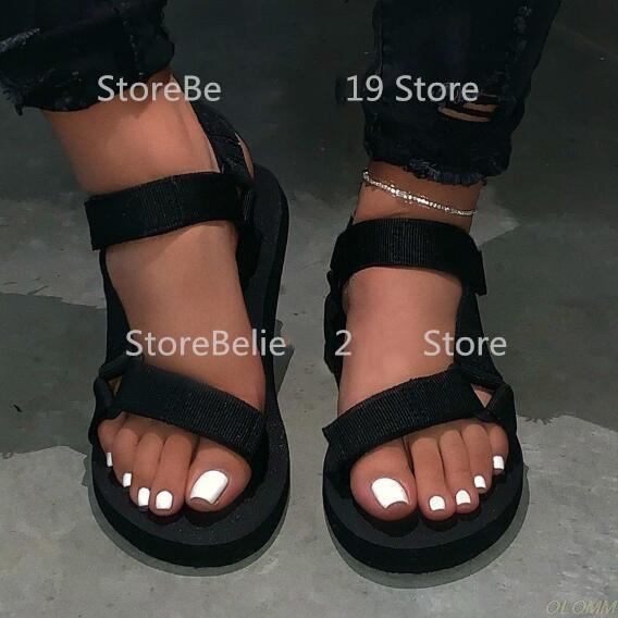 señoras calientes zapatillas de playa al aire libre de 2020 mujeres nueva primavera / verano sandalias nuevas blanda antideslizante antideslizantes espuma sandalias de suela duraderos