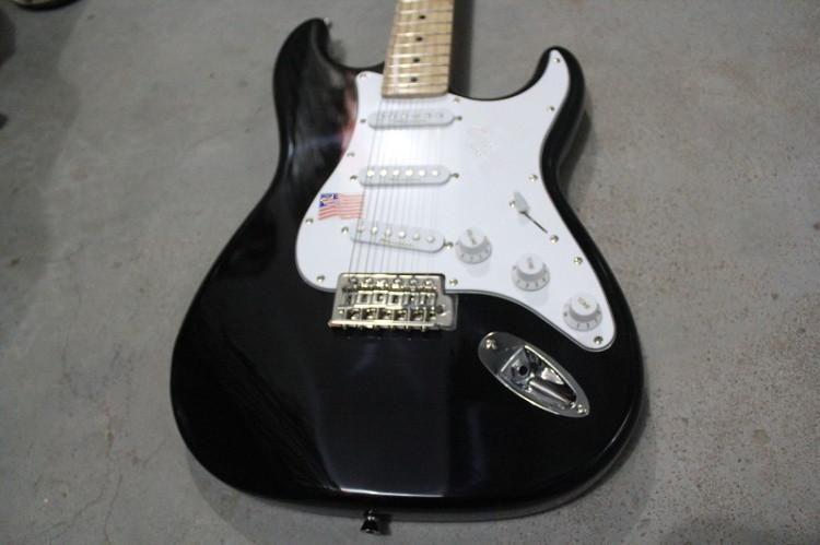 Hot Sale Custom Black 3 Pickups Basswood Body Maple Fretboard Standard Electric Guitar Chrome Hardware Free Shipping