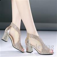 Frauen Sandalen Bling 7 cm High Heels Diamant Sommer Quadrat Ferse Frauen Schuhe Hochzeit Schuhe Leder Sandalia