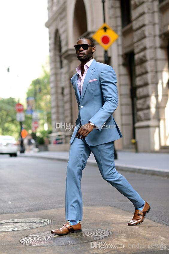 Popular Groomsmen pico lapela do noivo smoking Light Blue Men ternos de casamento / Prom melhor homem Blazer / Noivo (jaqueta + calça + gravata) M798