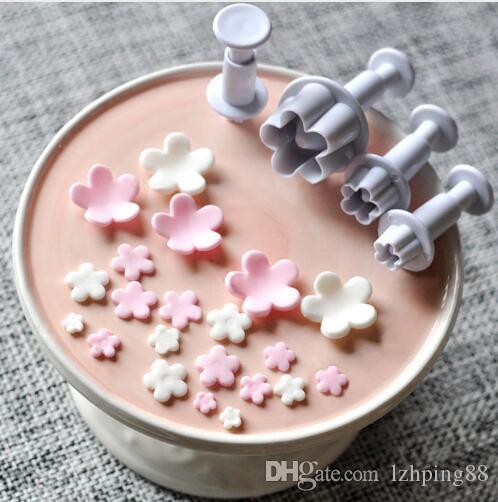 4PCS/Set Plum Flower Plunger Mold Cutter Fondant Sugarcraft Cake Cookie Plunger Cake Mould Decorating Tool Baking Accessories
