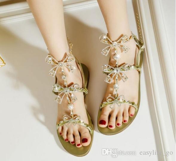 Sıcak satış Kadın yaz Sandal kadınlar Casual Shining Kristal Yay Zincirleme Düz Sandalet Kadınlar Altın Lüks Rhinestone Gladyatör Chic Ayakkabı Sandles