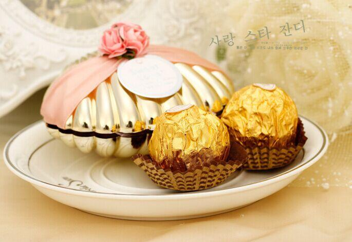 Favores do casamento de ouro, prata concha caixas de doces com tema caixa de doces bonito da praia da fita e flores Wedding Party presentes favores do chuveiro