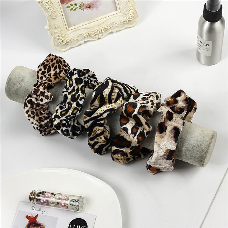 Leopard Velvet Scrunchies Аксессуары для волос для женщин девушки Упругие волос кольцо галстук хвостик держатель резиновый Pleuche Dot диапазона волос Оптовая HN306