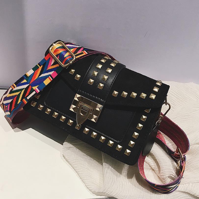 Saco 2020 de Moda de Nova Pequeno Saco quadrado das mulheres com Rebites Fada Versátil um ombro Bolsa Messenger Bags
