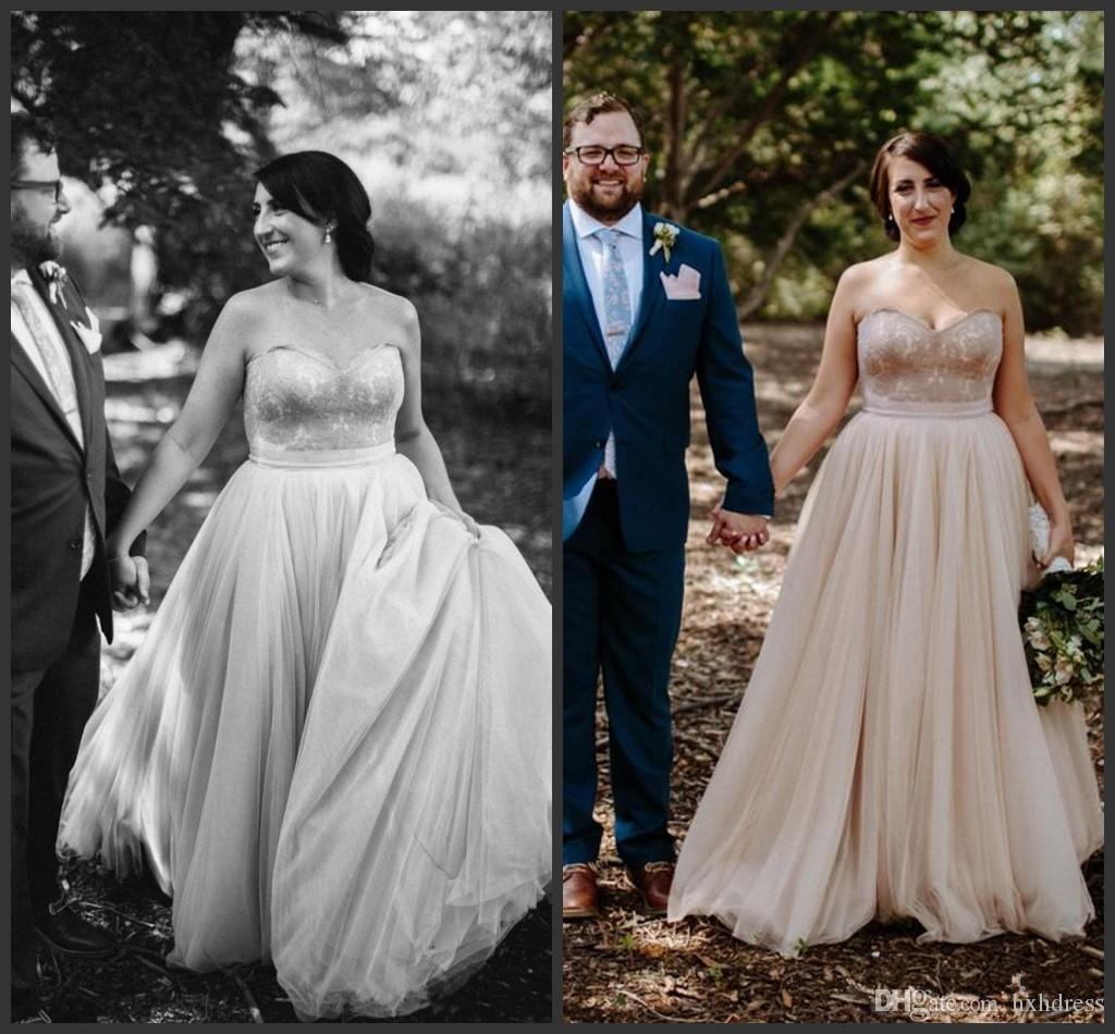 2020 Nuovo champagne Plus Size Abiti da sposa A-Line Lace Appliques Sweetheart Neck Abiti da sposa Piano Lunghezza tulle abito da sposa