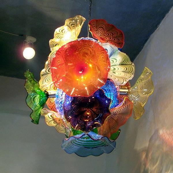 Las placas italiana Diseño de cristal de Murano Lámparas colgantes de la flor Arañas de estilo pendiente de la luz artefacto de iluminación LED Lighting Lustre Europea