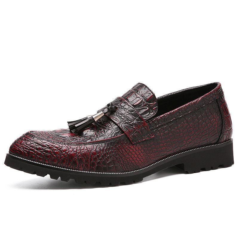Erkek Yassı Ayakkabı Timsah Deri Püskül Oxford Ayakkabı Üzerinde Kayma Erkekler Için Marka Deri Erkekler İtalyan Sivri Elbise Ayakkabı Erkekler Loafer'lar Kundura