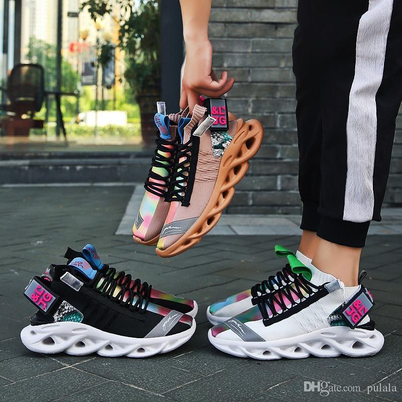 2020 En Kaliteli Baba Tasarımcı büyük boy Sneakers Casual Sneakers Yedi renk Üçlü S yürüyüş ayakkabıları Erkekler Günlük Ayakkabılar hip hop Eğitmen Hombre