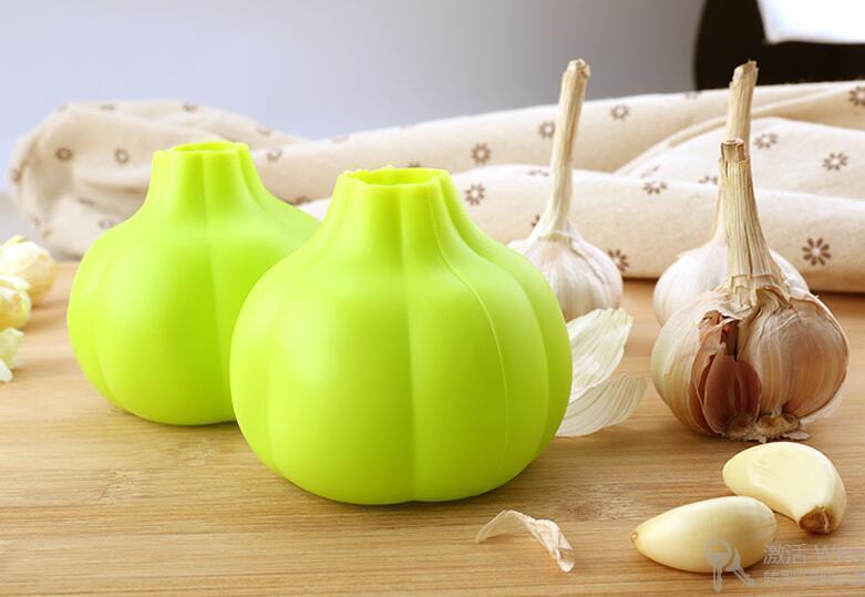 Free Express to Your Doorstep Garlic peeler creative kitchen food grade silicone soft peeling garlic peeling tool planing garlic