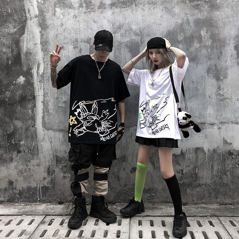 Manches T-shirts Mode Femmes Hommes Designer Haut Couple Cartoon Graffiti T-shirt d'été en vrac col rond manches courtes