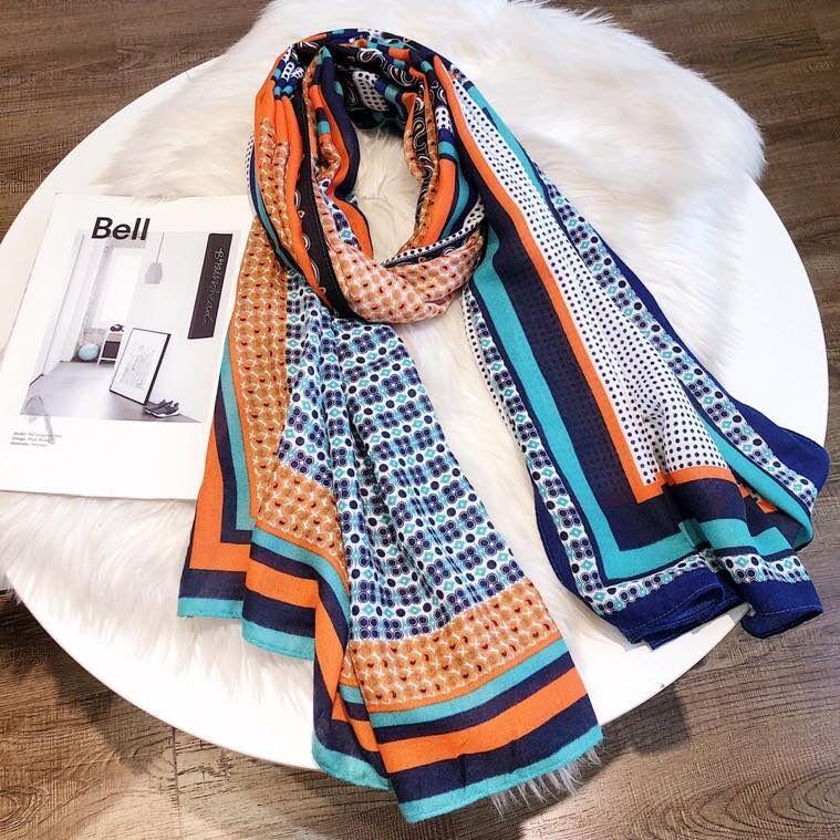 Nuevo diseñador de moda de lujo bufanda de seda venta caliente de las mujeres de lujo primavera invierno verano chal bufanda marca con caja 11