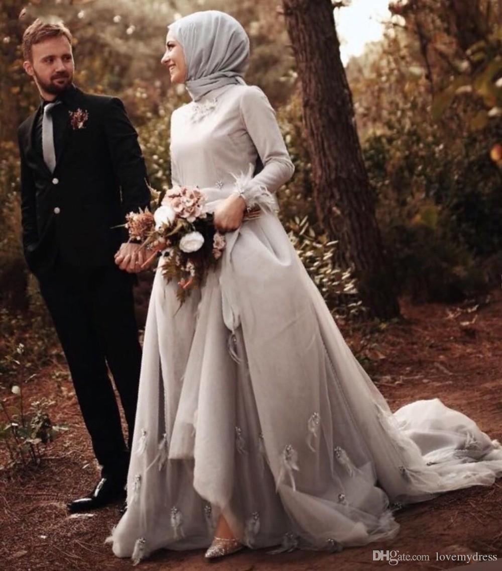 Abiti da sposa musulmani a maniche lunghe con collo alto e maniche lunghe in argento 2019 Abiti da sposa africani da donna con scollo a barchetta. Taglie forti