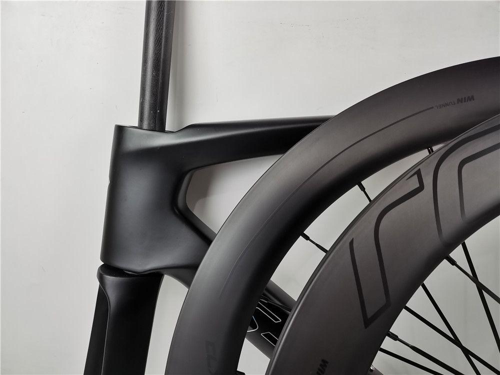2020 고품질 700C로드 디스크 브레이크 액슬 자전거 탄소 프레임 + 바퀴 100 * 12 142 * 12mm 2 년 보증 프레임 세트