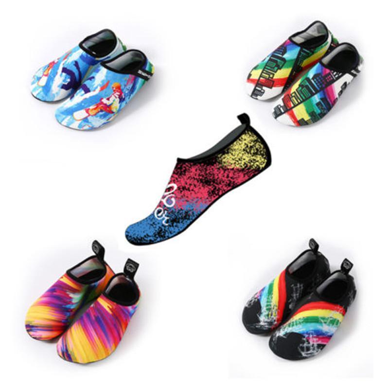 2019 الأزياء والأحذية الجديدة للجنسين خليج فتاة رجل المياه أكوا الجوارب اليوغا تمرين بركة شاطئ الرقص السباحة الانزلاق على أحذية ركوب الأمواج شاطئ