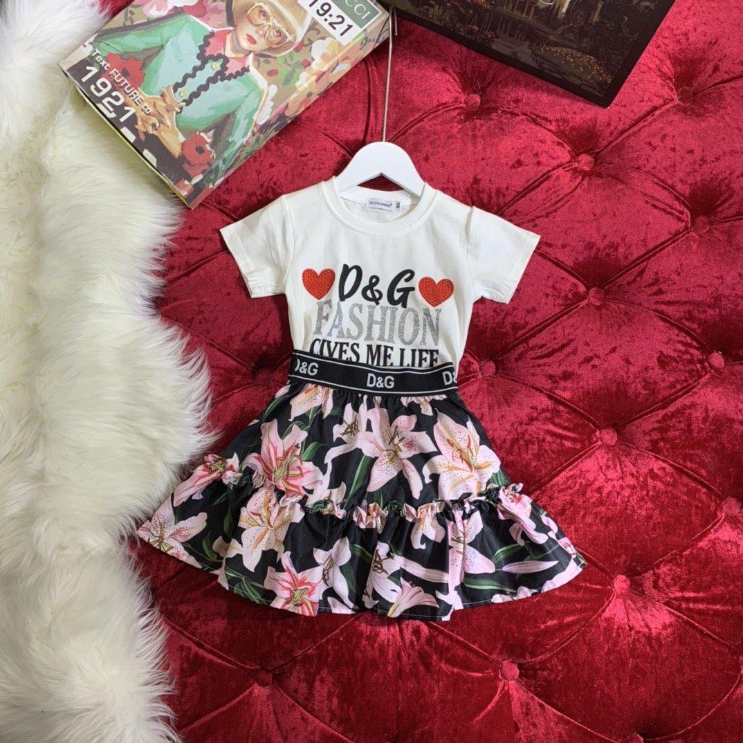 Conjuntos de dos piezas de las muchachas del algodón puro amor de Corea del adorno de diamantes camiseta impresa plisado sistemas de la falda 032803