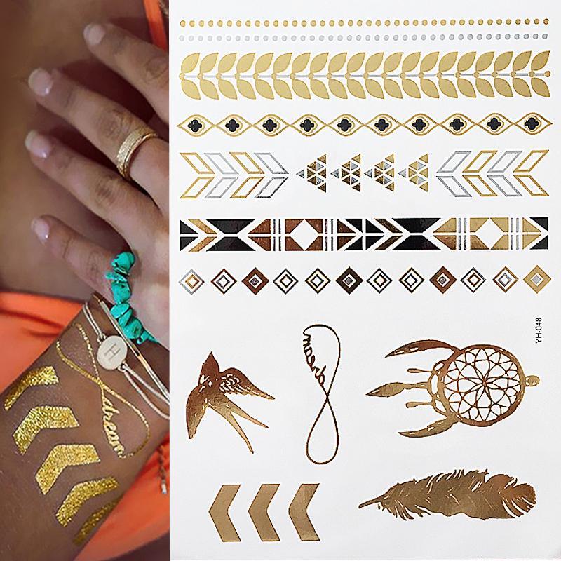Tatouages au flash au tatouage au henné