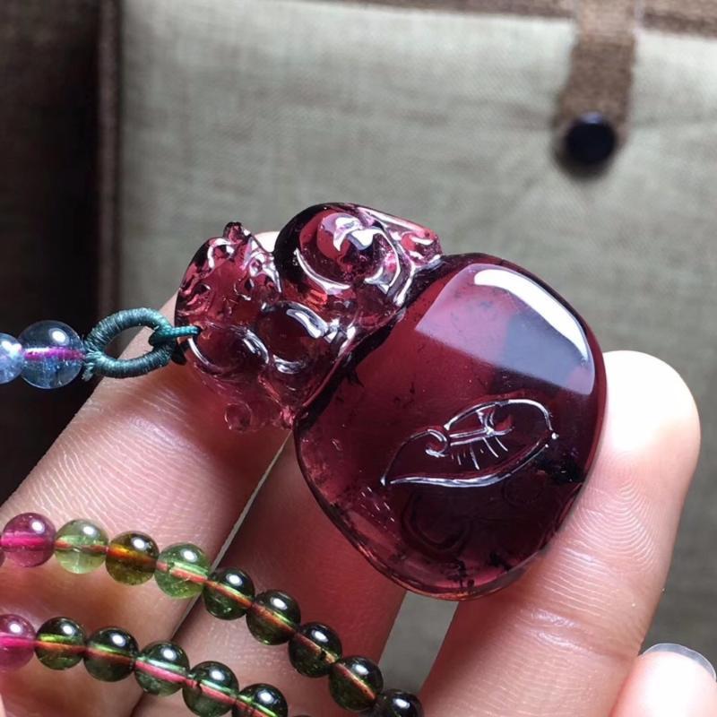 Fine Jewelry 100% Natural Red Tourmaline 13.6g intagliato pendente delle pietre preziose del Tourmaline femminile Donne