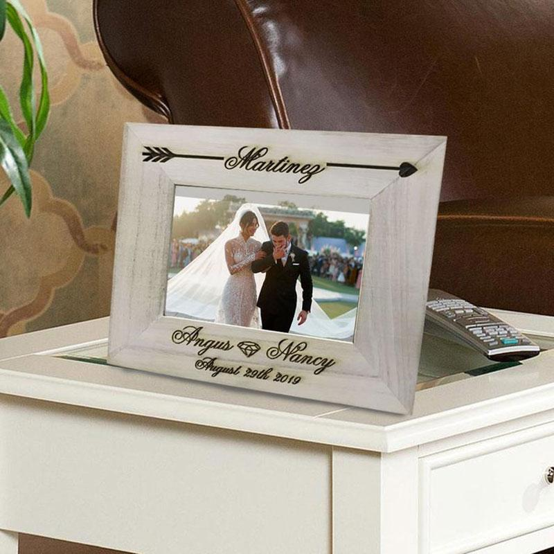 Personalizado Retro Photo Frame Wood Frame Foto de Imagem Gravada Vintage Seta Memória da lembrança Home Decor