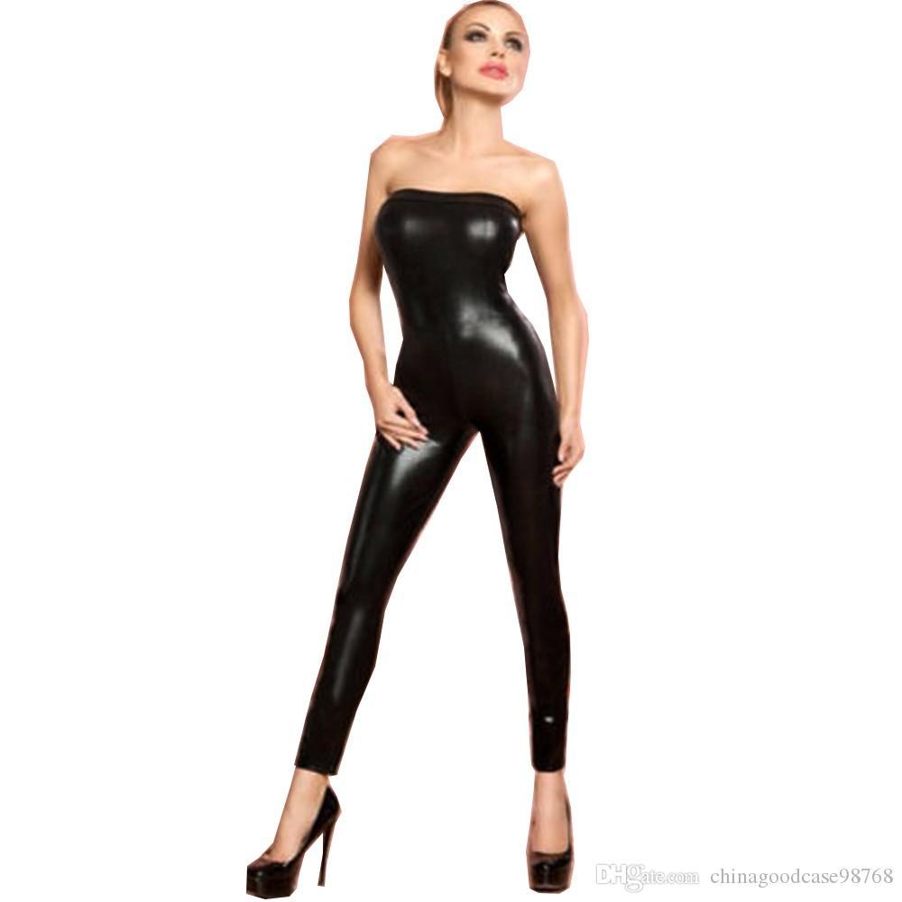 Tuta da donna nera senza spalline lungo a pelo lungo con spalle scoperte Sexy tuta attillata attillata in pelle sintetica