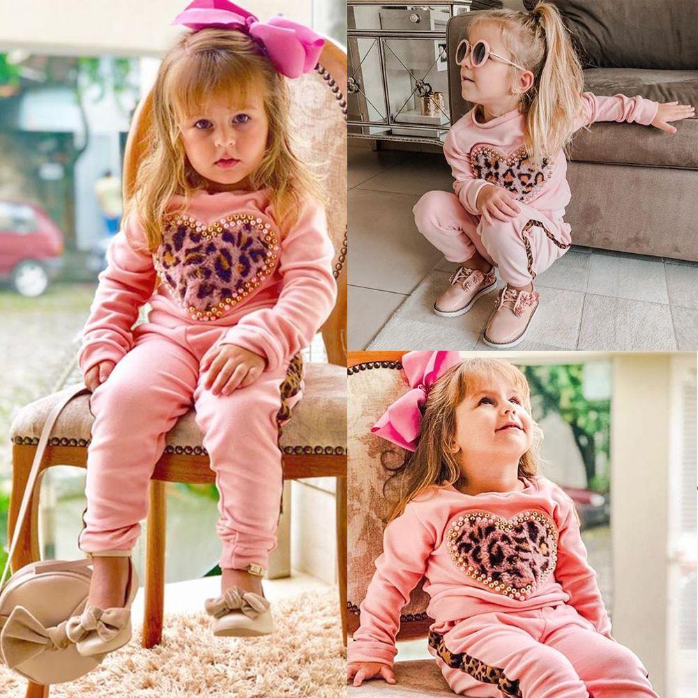 2019 neueste Kinderkleidung zweiteilige Set Herbst und Winter Kinder Leopard Liebe Herz Mode Pullover Mädchen Anzug