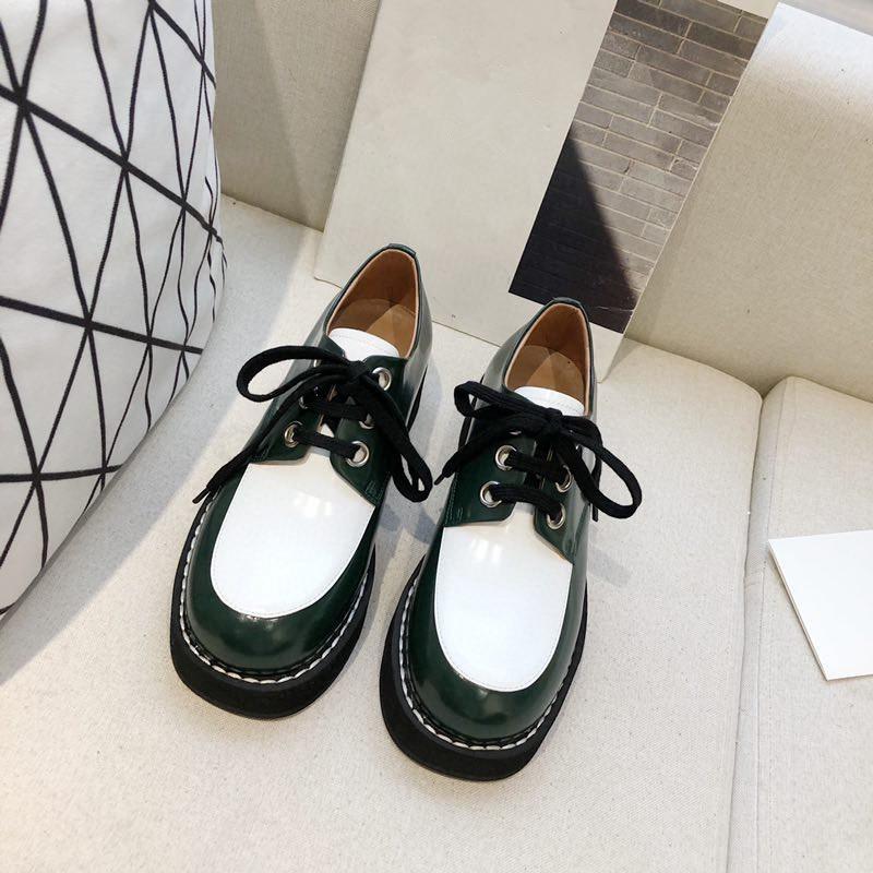 Güzel Yüksek Kaliteli Lüks Gerçek Deri Kadınlar Günlük Ayakkabılar Moda Bayan Açık Ayakkabı Tasarımcısı Ayakkabı Şık Ücretsiz Kargo Tasarımcılar