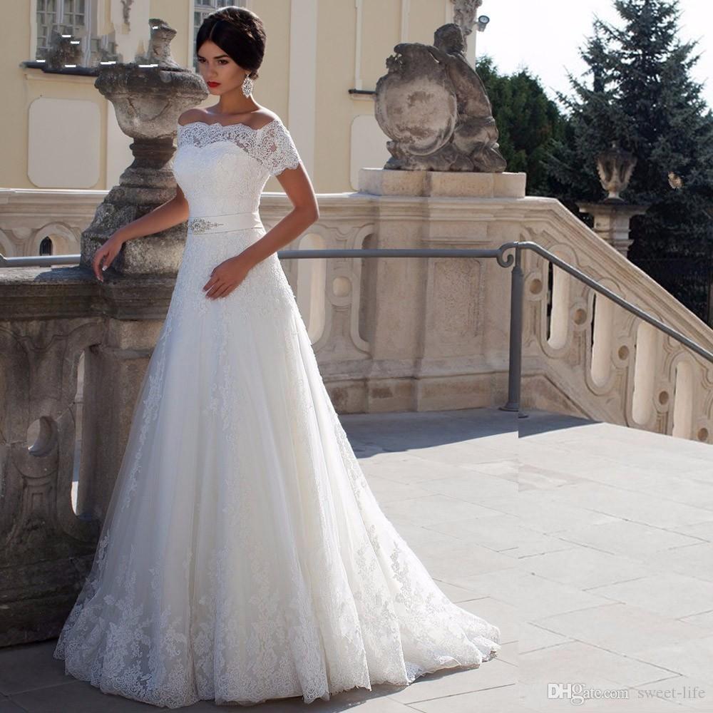 Sexy de l'épaule manches courtes robe de mariée perles Sash Applique Une ligne robe de mariée robe de Noiva Vinatge