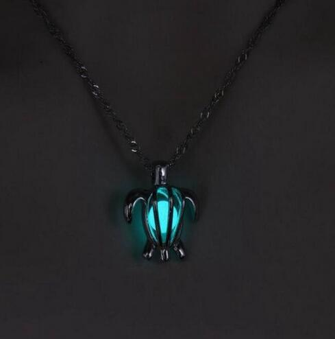 collier tortue homme
