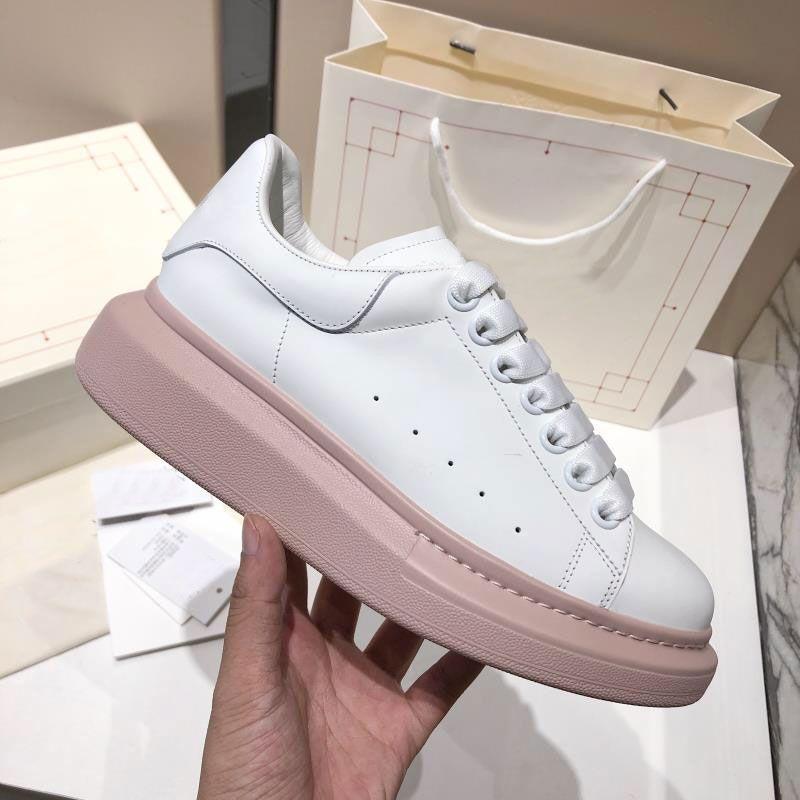 La mejor calidad pintada para hombre zapatos del diseñador de gran tamaño de lujo de las mujeres calza las zapatillas de deporte famosas Partido París diseño de suela amplia pintadas