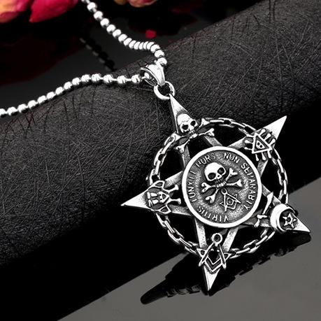 Europe and the United States retro Chao Brand Viking Skeleton Titanium Steel pendant five-pointed Star Qixi Festival couple pendant necklace