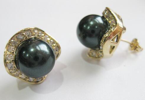 Grande boucle d'oreille vu paon perle de Tahiti noir naturel 12mm ku080