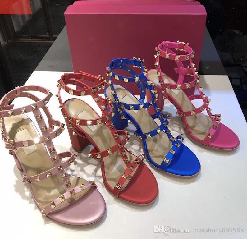 El más nuevo estilo de diseño de la marca 2019 mujeres del cuero Stud sandalias talón abierto Bombas señoras de los altos talones de los remaches 9.5cm atractivas de la manera zapatos 8 Colores