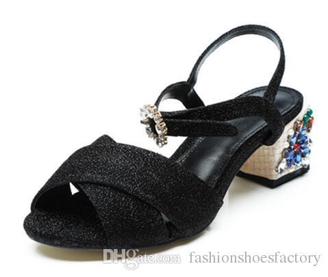 크리스탈 버튼 보헤미안 우먼 슈즈 엘레강스 패션 블랙 하이힐 최고 품질의 꽃 무늬 스팽글 옷감 샌들