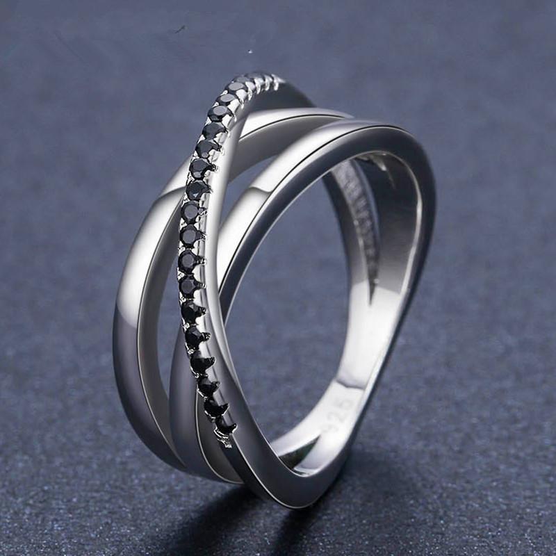 خمر أنثى كريستال الأسود الحجر الدائري كلاسيكي لون الفضة الزفاف خواتم للنساء داينتي الجوف الصليب خاتم الخطوبة