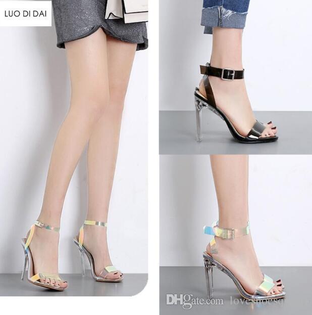 2019 moda kadın PVC sandalet ayak bileği kayışı PVC lazer yüksek topuklu parti ayakkabı temizle kristal topuk gladyatör ...