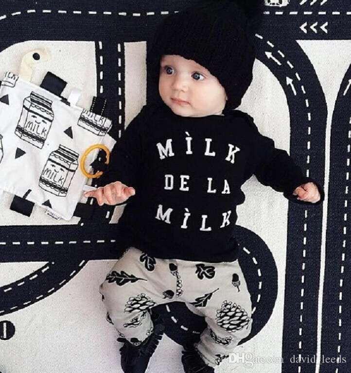 2018 Primavera Quente Roupas de Bebê Definir Moda Estilo Letras Impresso Moletom + Calças Meninos 2 pcs Set Crianças Casul Suit Fit 1-4Age 70-100 T1785