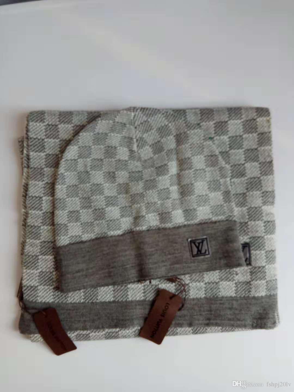 Di alta qualità e delle donne degli uomini del progettista della sciarpa del cappello serie di riscaldamento Europea high-end Cappelli Sciarpe Imposta Marca Hat Sciarpa Accessori di moda