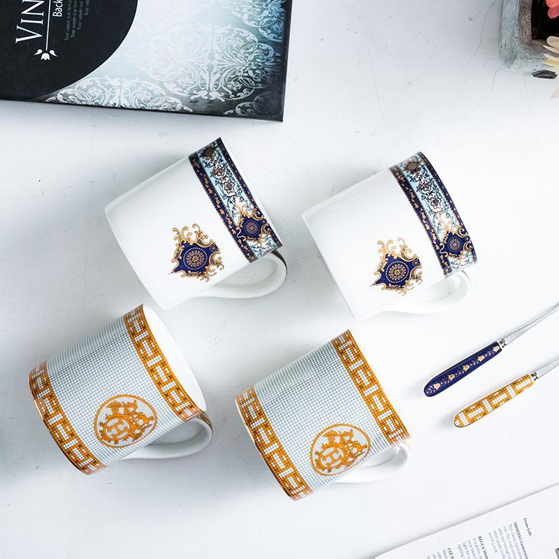 1pc Oro europea taza de la bebida de porcelana pequeño lujo de forma creativa con tapa cuchara de gran capacidad de la taza de té del café